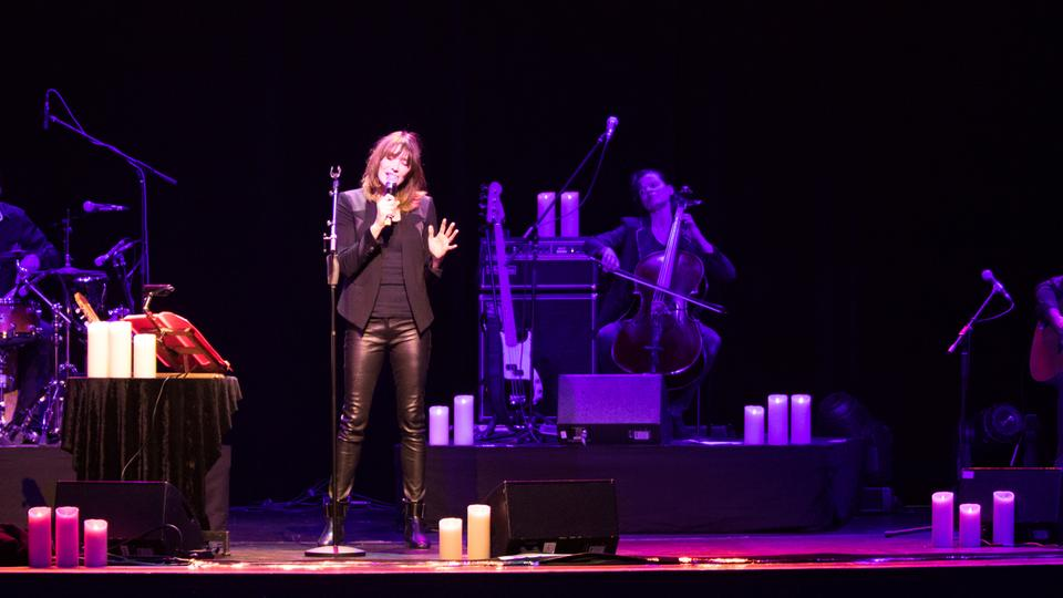 Carla Bruni in der Jahrhunderthalle Frankfurt