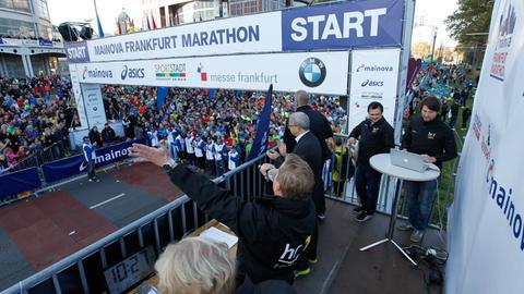 Start des Frankfurt Marathons 2016