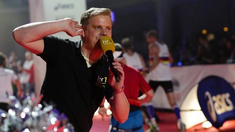 Kai Völker beim Zieleinlauf des Frankfurt-Marathons 2016
