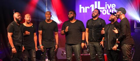 Naturally 7 in der hr1-Live Lounge Konzert und Autogrammstunde