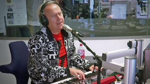 Howard Jones bei Koschwitz am Morgen