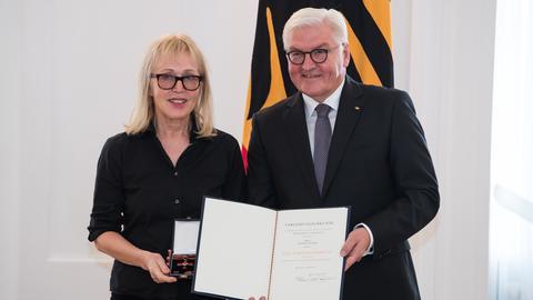 Annette Humpe erhält 2018 das Bundesverdienstkreuz.
