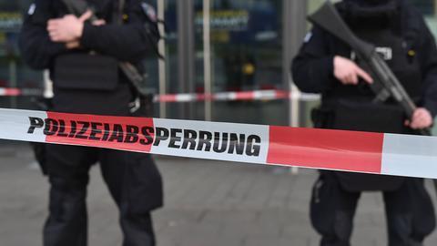 Eilt - Polizei, Polizeiabsperrung, Mord, Terror