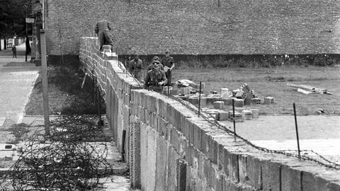 Mauerbau durch Berlin in den 60ern