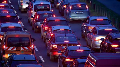 """""""Mit Vollgas in den Verkehrskollaps"""""""