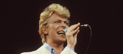 David Bowie 1983 bei einem Auftritt