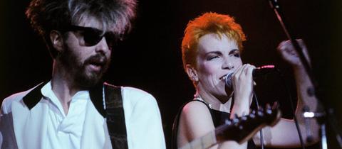 David Stewart und Annie Lennox 1986 bei einem Konzert