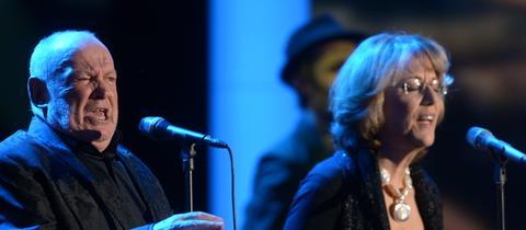 Jennifer Warnes 2013 bei einem Auftritt mit Joe Cocker
