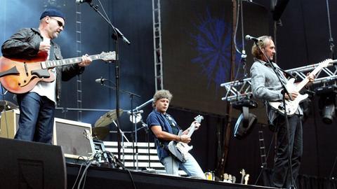 Mike & the Mechanics 2004 bei einem Konzert