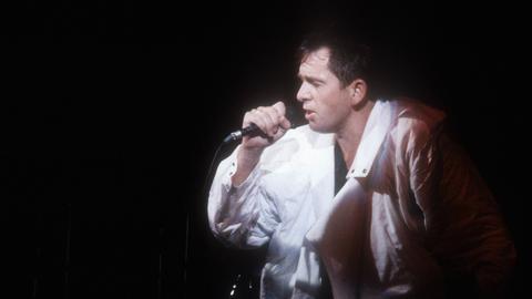 Peter Gabriel 1987 auf der Bühne
