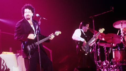 Steve Lukather und Mike Porcaro 1984 bei einem Toto-Konzert