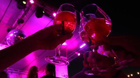 Ein Glas Aperol sorgt für Erfrischung.
