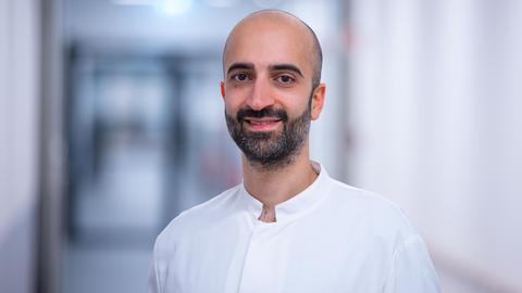 Dr. Cihan Celik