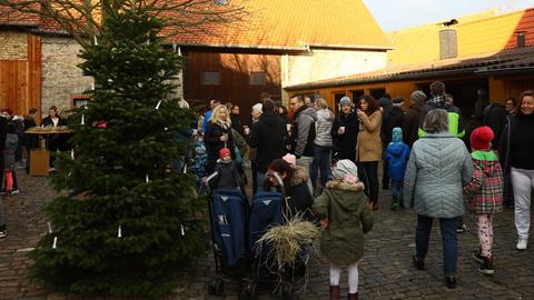 Heubündelausgabe im Heimatmuseum Leeheim