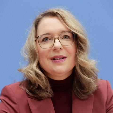 Claudia Kempfert