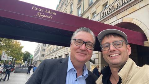 Felix Adlon und hr1-Moderator Uwe Berndt