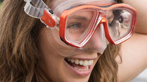 Talk-Gast Julia Schnetzer mit Taucherbrille