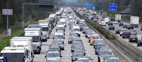 Mobilität in Hessen: Stau auf der A5