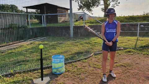 Simone Reuthal Softball