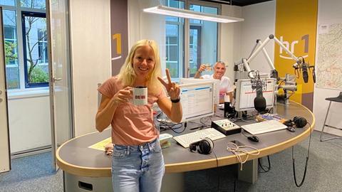 Simone Reuthal und Tim Frühling im hr1-Studio