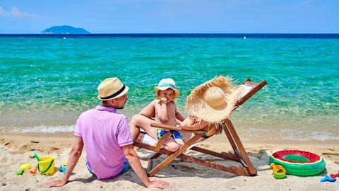 Sommerurlaub am Strand in Griechenland