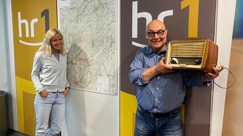 Thomas Koschwitz und Simone Reuthal, Thomas zeigt sein altes Röhrenradio